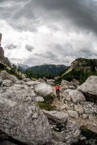 Dominik Raab auf einem Trail in den Dolomiten