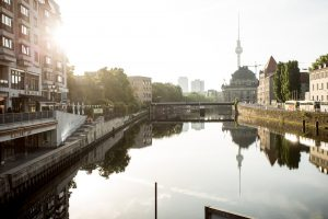 Dominik Raab macht einen Manual in Berlin