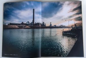 Das Lines Magazine druckt eine Doppelseite von Dominik Raab in Linz